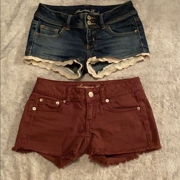 American Eagle Outfitters Pants - American Eagle low waisted jean shorts size 0-2